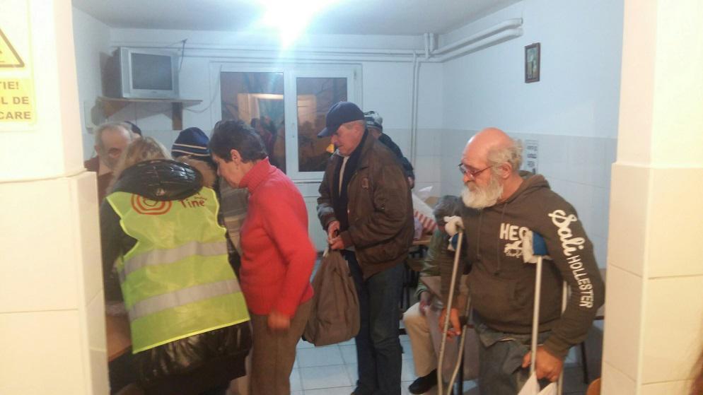 Un zâmbet adus celor de la Centrul pentru persoane fără adăpost