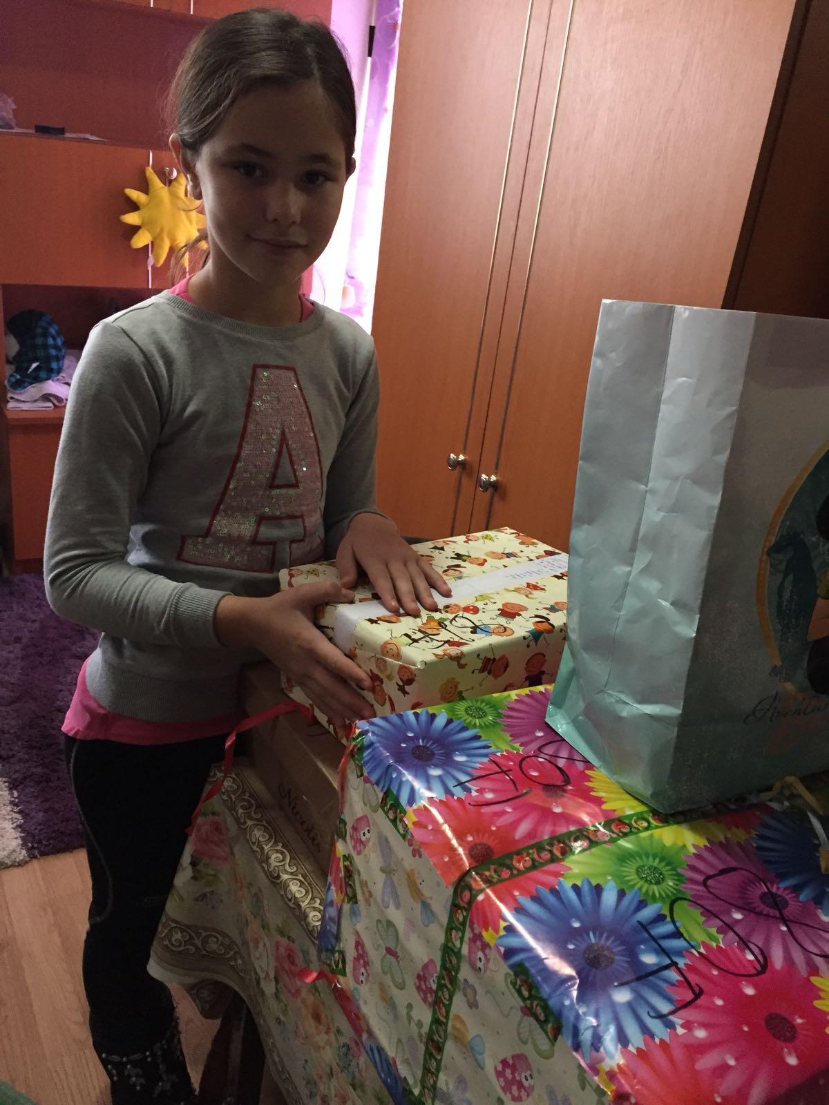 Cadouri pentru copii, de la Școlile Gimnaziale Nr.27 și Nr.30!