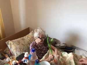 De 8 martie, în vizită la căminele de bătrâni
